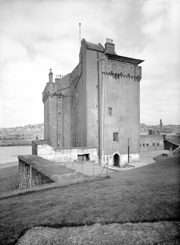 Broughty Ferry, Broughty Castle. General View from East.