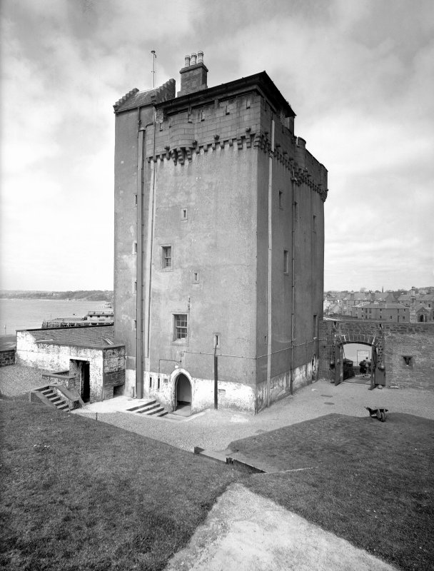 Broughty Ferry, Broughty Castle. General view from South-East.