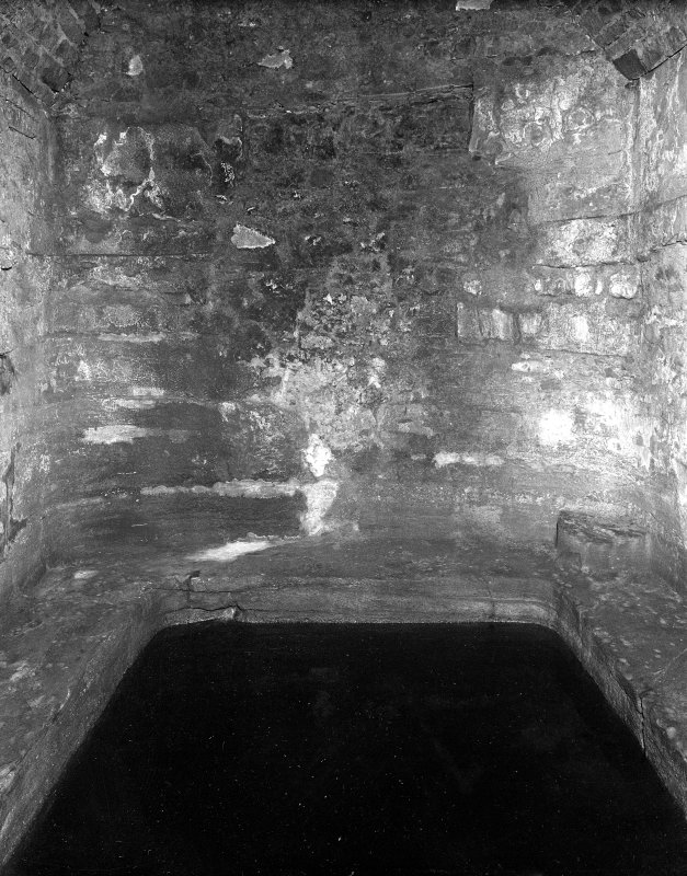 Burghead. Photograph of interior of well.