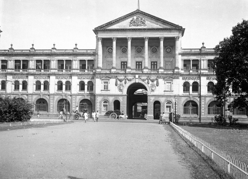 View of Ordnance Building (now Military Accounts building), Esplanade Row East, Kolkata. Now the Foreign and Military Secretariat.  The building was built with a wide verandah to give some protection from the heat.