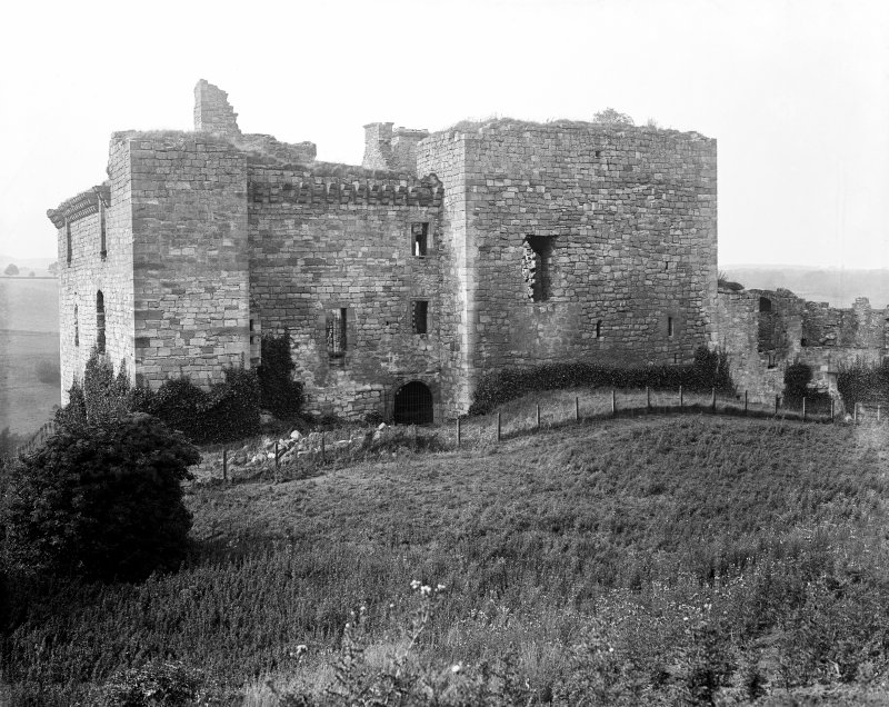 View of Crichton Castle from E