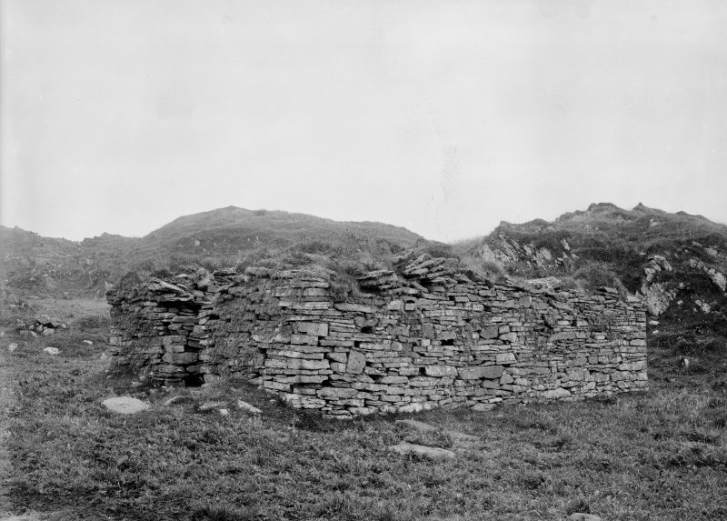 Eileach An Naoimh, Chapel. General view from South-West.
