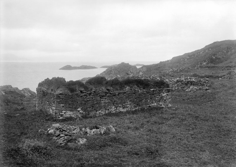 Eileach An Naoimh, Chapel. General view from North-East.