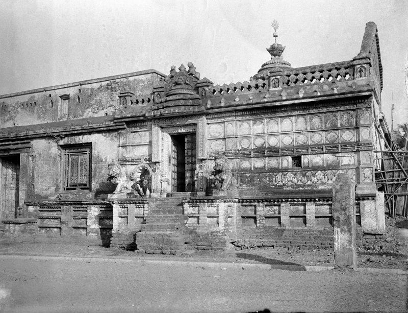 Possibly a building within the Jagganath Temple, Puri, Orissa.  Unknown definite location.