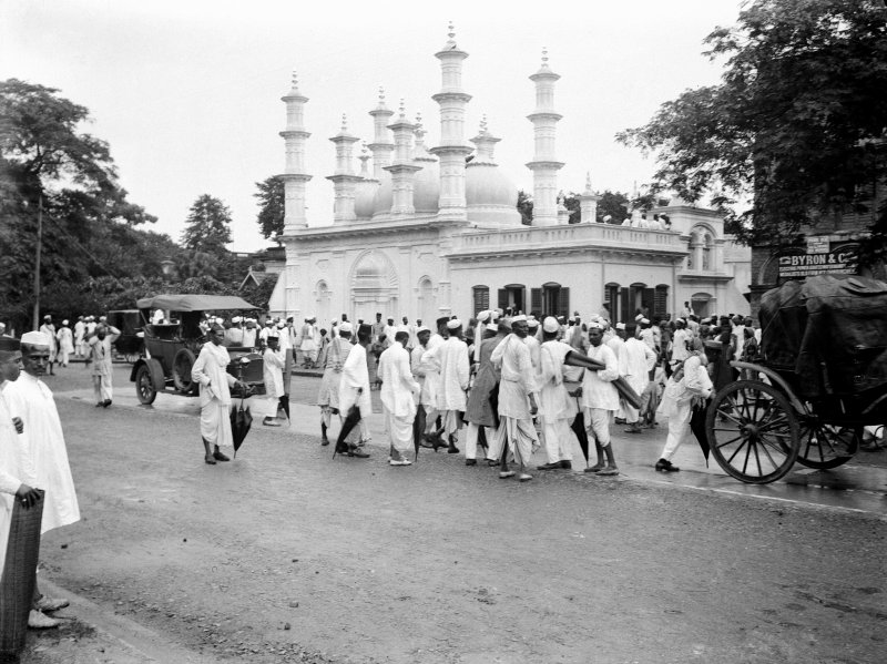 Mosque.  Unknown location, probably Kolkata.