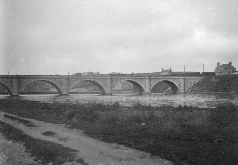 Aberdeen, Bridge of Don. General view.