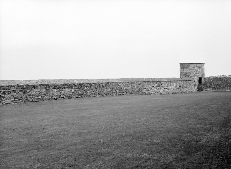 Wall boundary and defence tower/doocot
