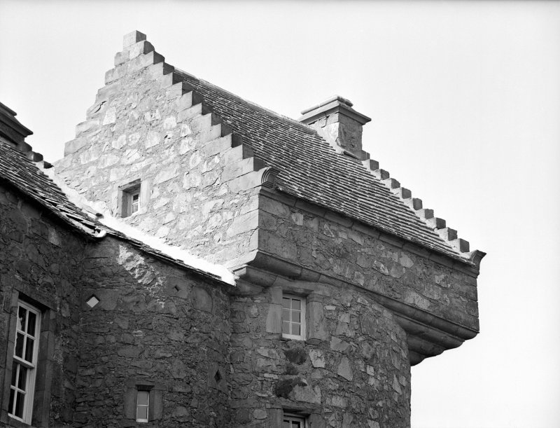 Dundee, Claypotts Road, Claypotts Castle. View of North-West tower displaying four tier corbels.