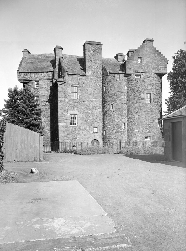 Dundee, Claypotts Road, Claypotts Castle. General view from West.