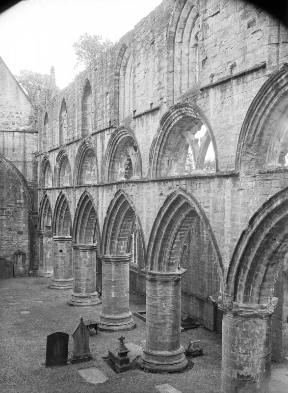 Dunkeld, Dunkeld Cathedral, interior. View of nave and North aisle from South-West.