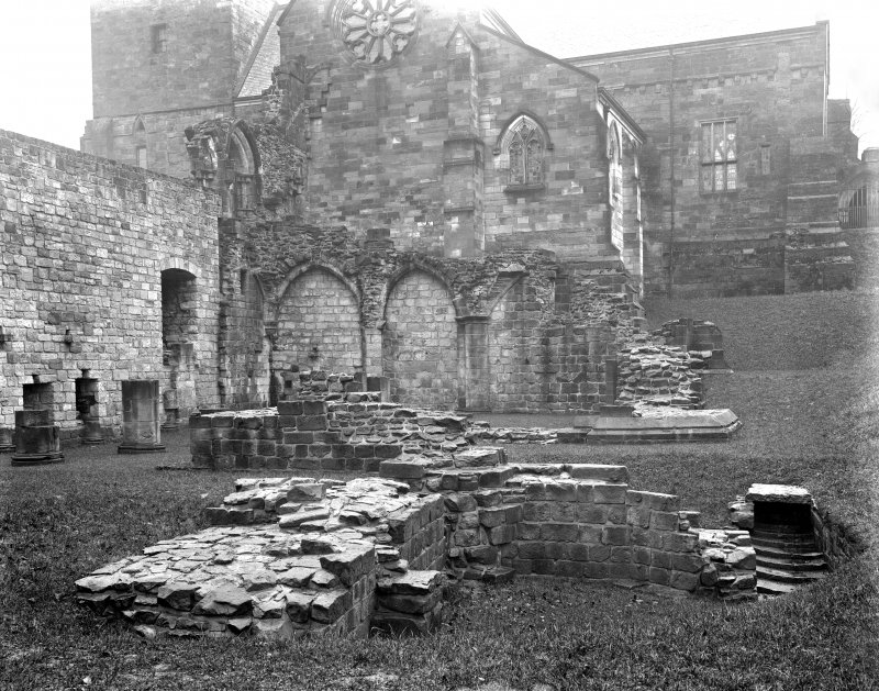 South transept and ruined sacristy