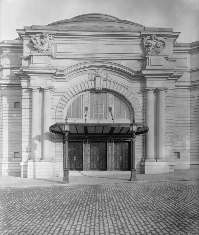 West entrance of Usher Hall.