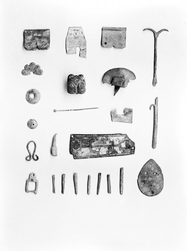 Detail of excavated objects.