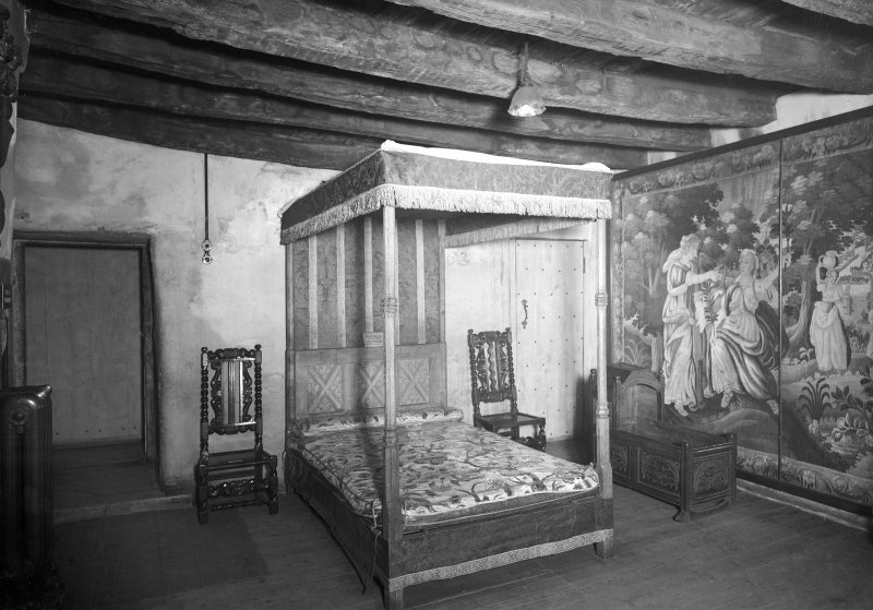 Provand's Lordship, interior View of tapestry bedroom