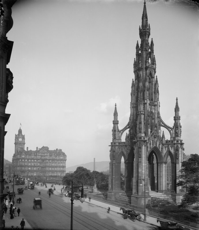 View of the Scott Monument and North British Hotel