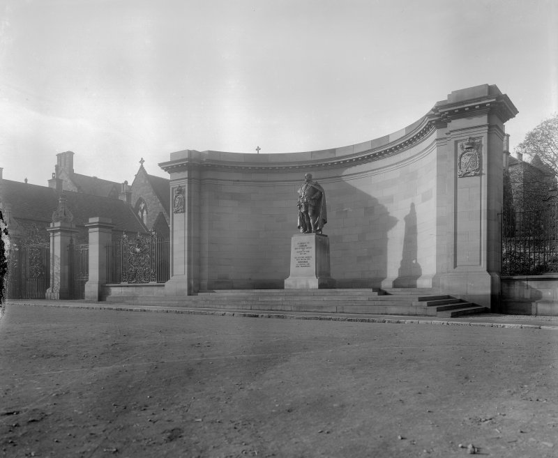 General view of Memorial to King Edward VII from South West