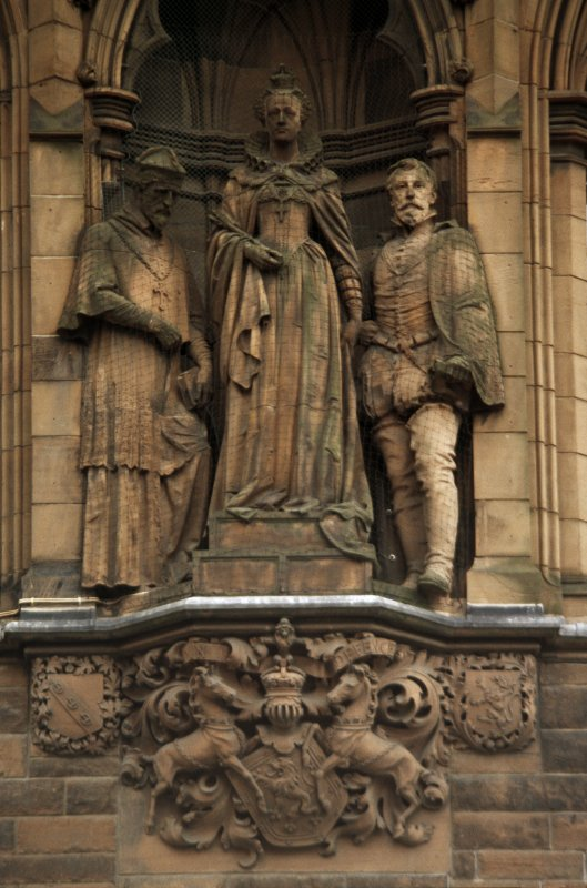 View of statues of John Lesley, Mary Queen of Scots and William Maitland of Lethington, centre of E wall.