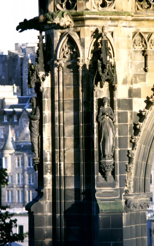 View of statues of Flora McIvor (right) and Jeanie Deans (left), on lower tier of NE buttress.
