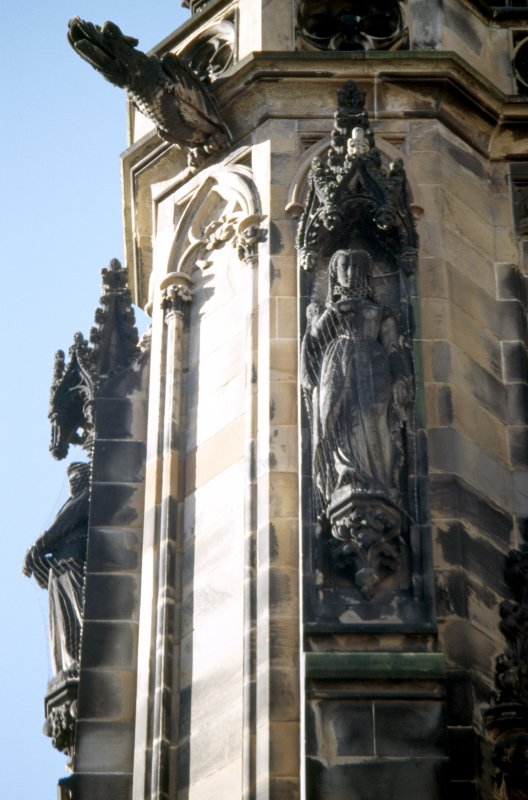 View of statue of Queen Mary, on lower tier of SE buttress.