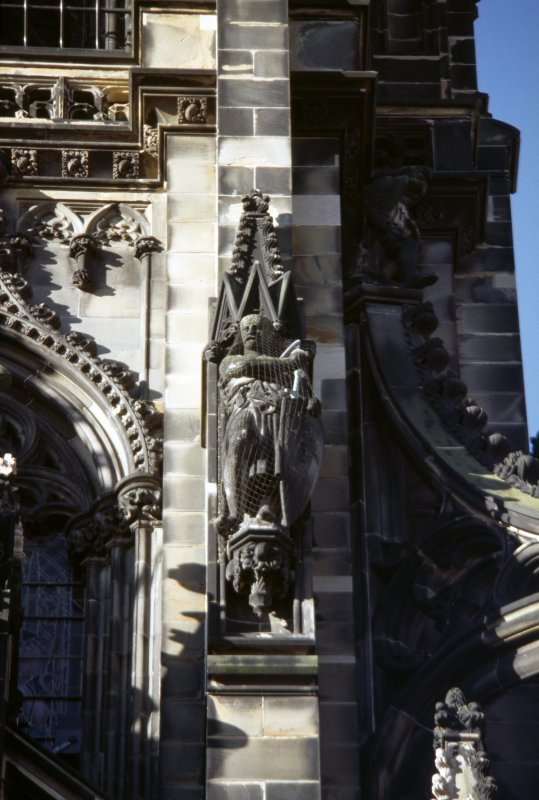 View of statue of the Knight Templar, on right side of museum window, E side.