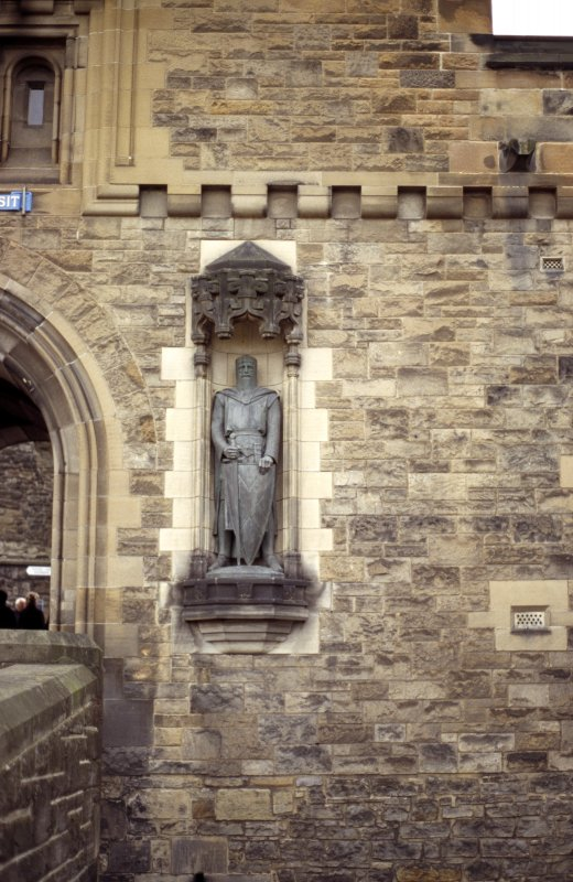 View of statue of William Wallace, in niche on N side of entrance to Castle.