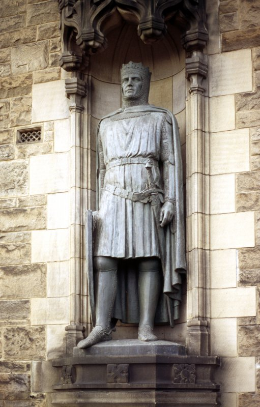 Close-up view of statue of Robert the Bruce, in niche on S side of entrance to Edinburgh Castle.