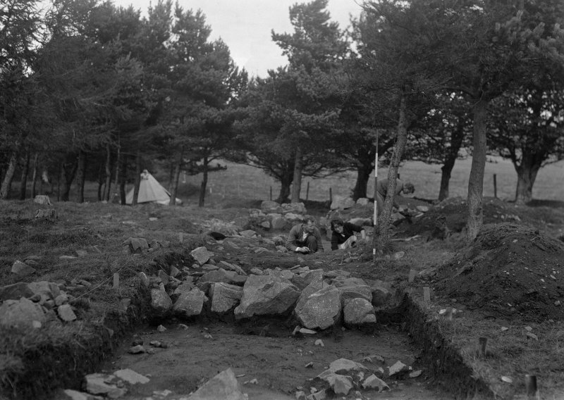 View of 'kerb' of central ring cairn, Old Keig, exposed in 1932 (PSAS 68, 1933-4, 387 fig 12)