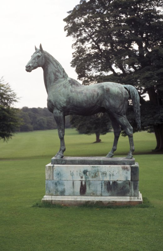 View of sculpture of 'King Tom', to E of Dalmeny House.