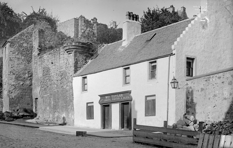 General view of public house, St Mary's Wynd, Stirling