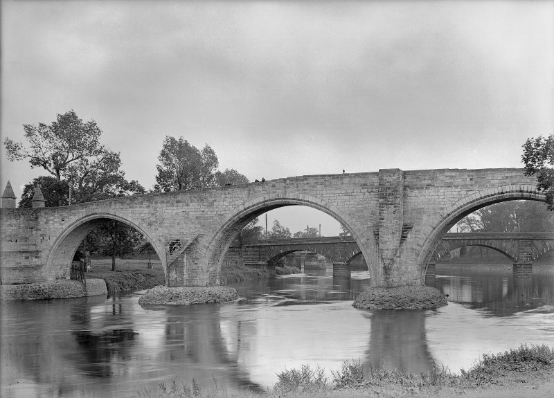 General view of bridge, Stirling.