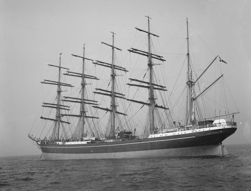 Kobenhavn at sea: Built by Ramage and Ferguson for the Danish East Asiatic Company.