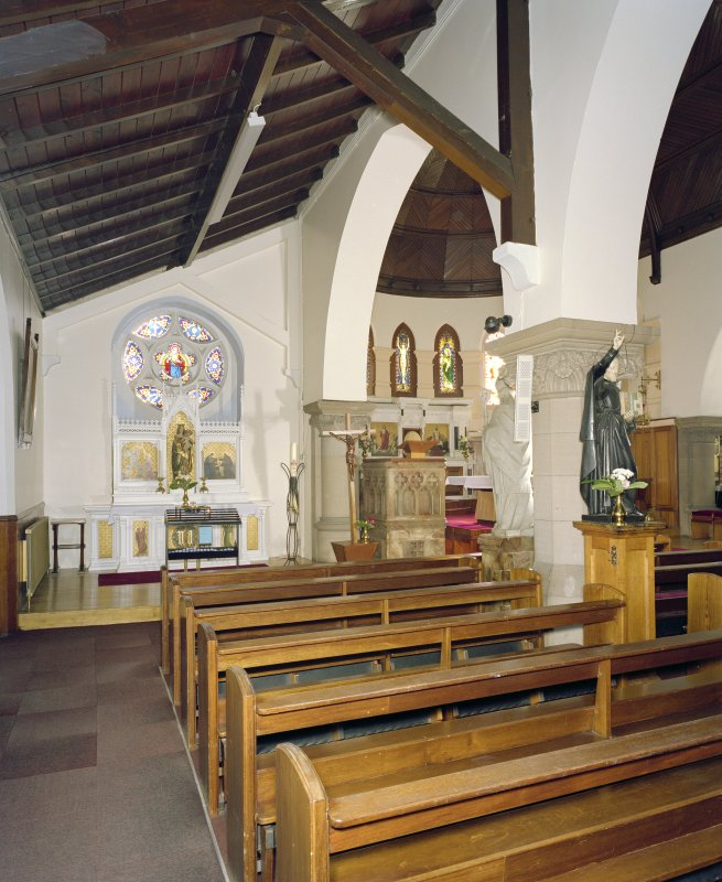 Interior. E side chapel, view from N