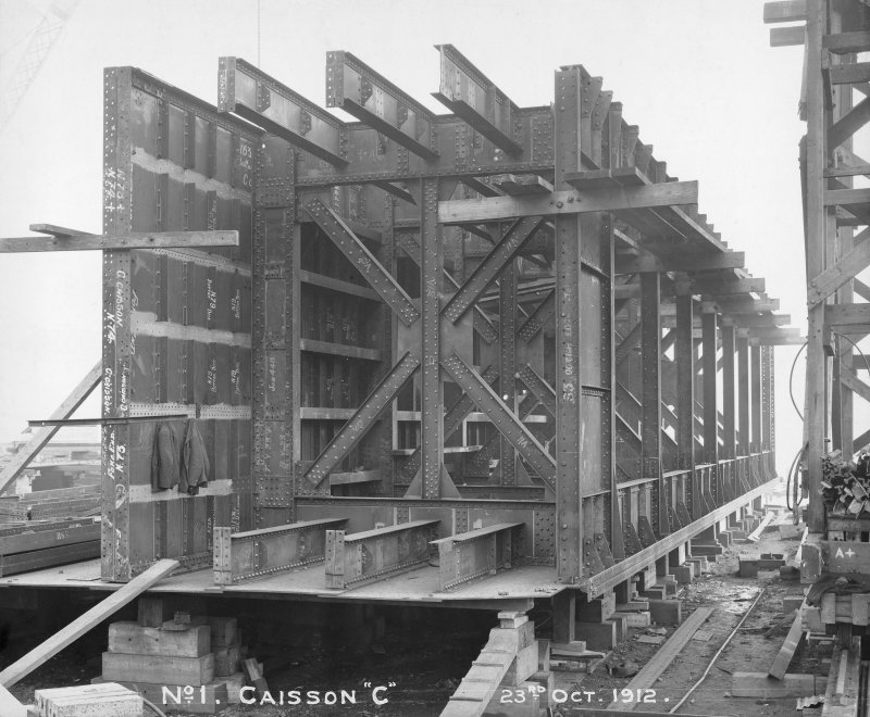 View of 'C' sliding caisson, Rosyth Dockyard d: 'Oct 23 1912'