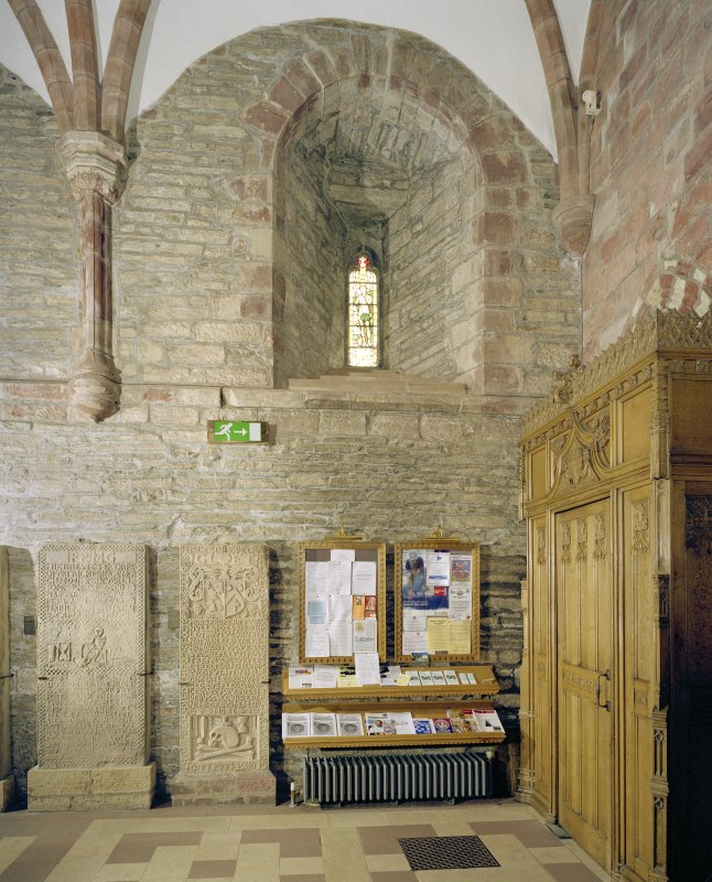 Interior.  Nave, S aisle, 1st bay from W, view from N