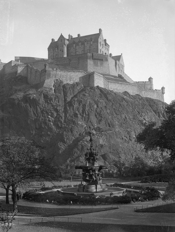 General view of Castle from Princes Street Gardens