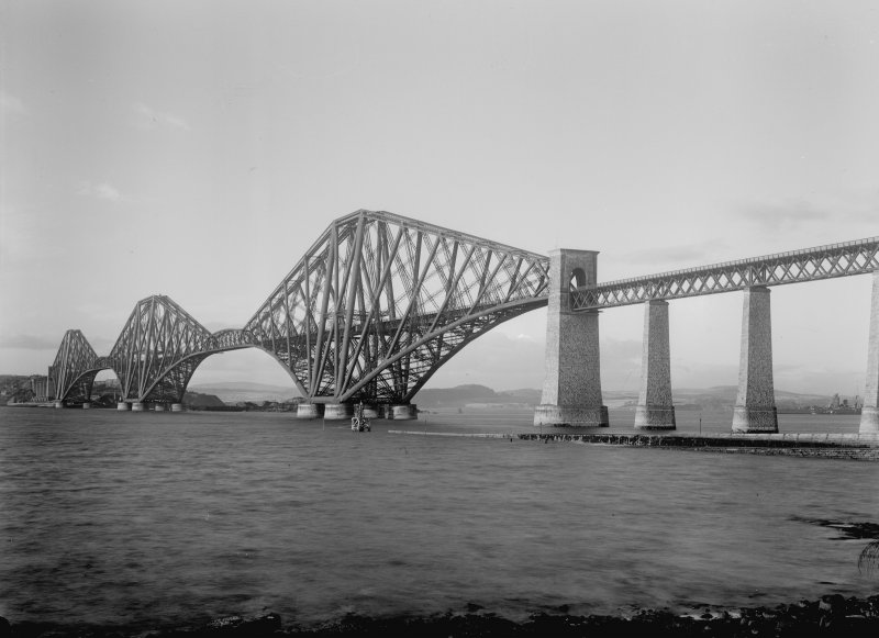 General view of the bridge from the South West shore.