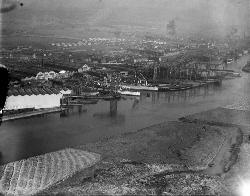 John Brown and Co. shipyards, Clydebank.  Oblique aerial photograph taken facing east.