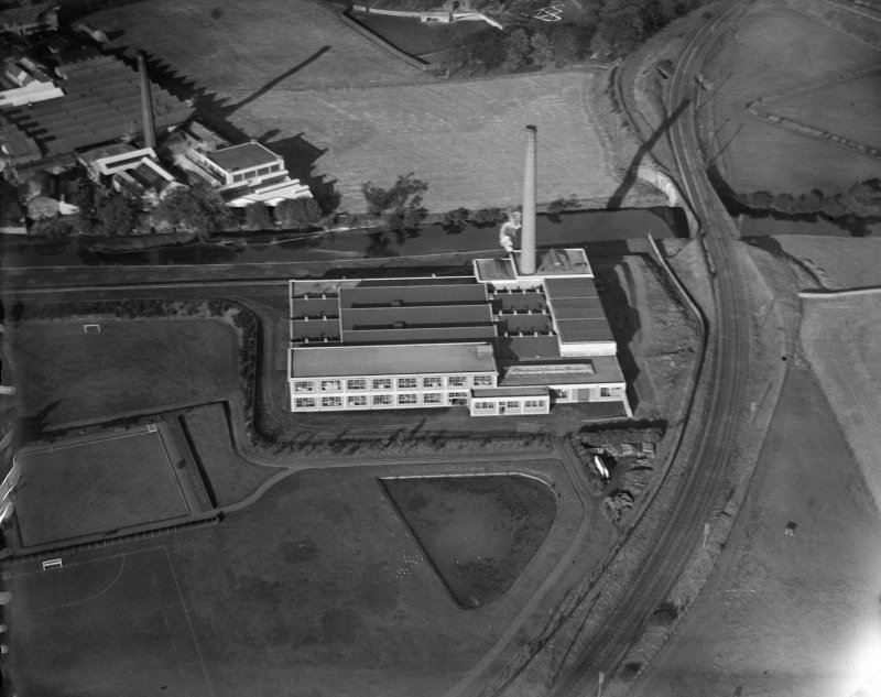 Factory, Paisley, possibly attached to Clark and Co. Anchor Mills Thread Works.  Oblique aerial photograph taken facing south.