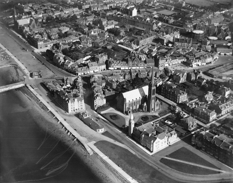 Largs, general view, showing Clark Memorial Church and Main Street.  Oblique aerial photograph taken facing east.