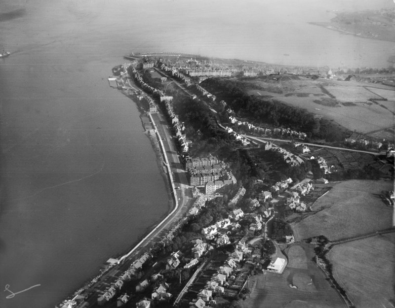 Gourock, general view, showing West Bay and Tower Hill.  Oblique aerial photograph taken facing east.