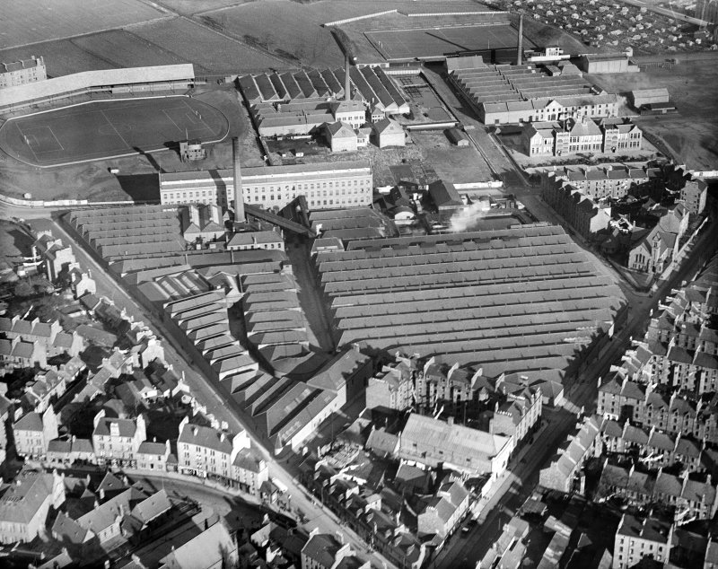 Bowbridge Jute Works, Thistle Street, Dundee.  Oblique aerial photograph taken facing north-east.