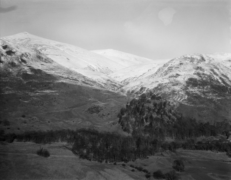 Ochil Hills, general view, showing Mill Glen and The Law.  Oblique aerial photograph taken facing north.