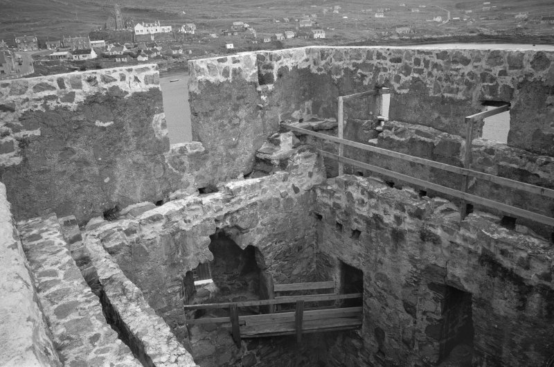 Interior. Keep, view of parapets from SW.