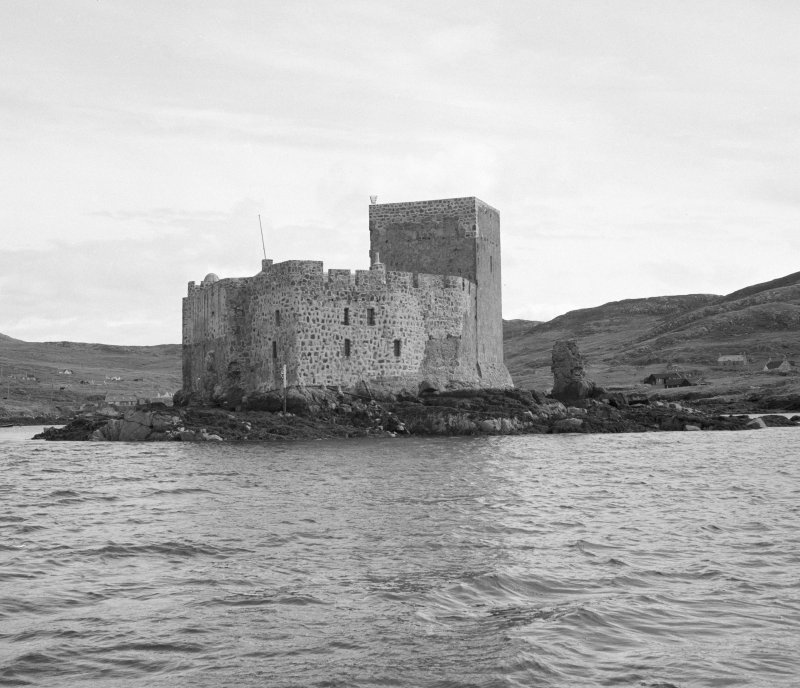 View of Kisimul Castle from W.