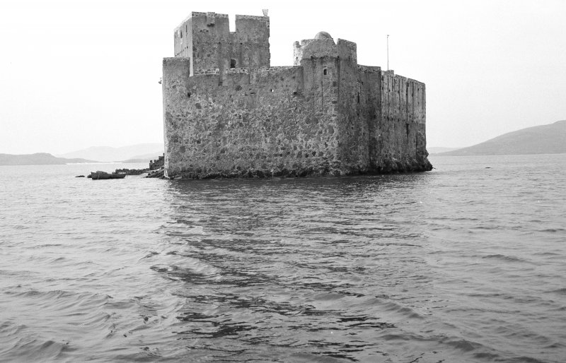 View of Kisimul Castle from NE.