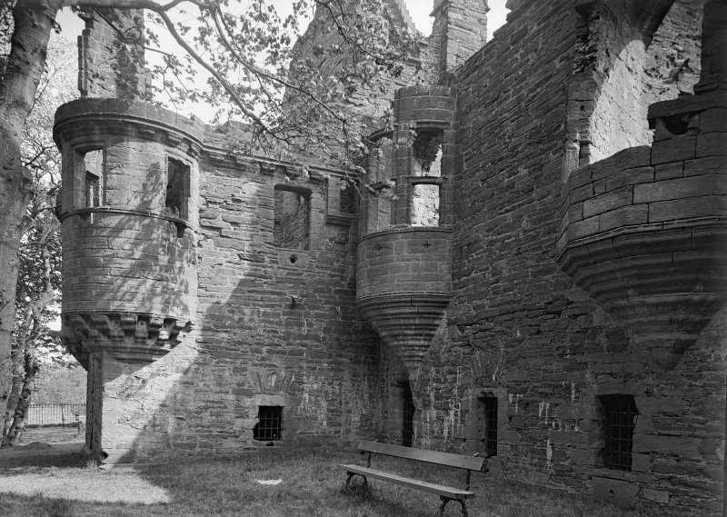 'Earl's Palace, Kirkwall; main block from SW'.