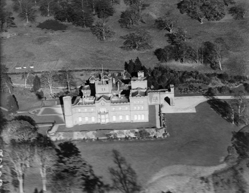 Kinfauns Castle, Kinfauns.  Oblique aerial photograph taken facing north-east.