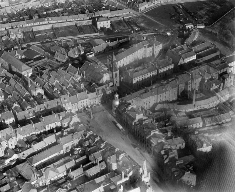 Cupar, general view, showing Market Cross, Town Hall and Corn Exchange.  Oblique aerial photograph taken facing north-east.