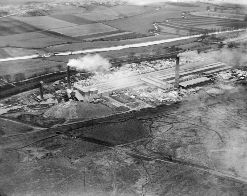 John G Stein and Co. Ltd., Castlecary Brickworks.  Oblique aerial photograph taken facing north.