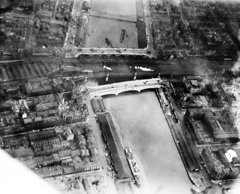 George the Fifth Bridge, New Approach Viaduct and Glasgow Bridge, Glasgow.  Oblique aerial photograph taken facing east.  This image has been produced from a damaged negative.